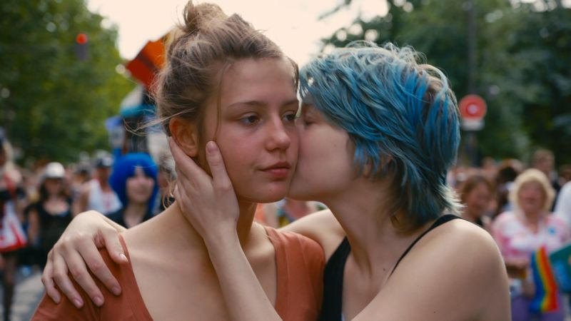 Gia lesbica scena di sesso