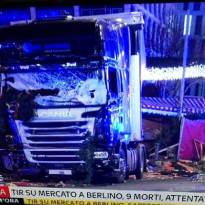 attentato-berlino-camion-600x419